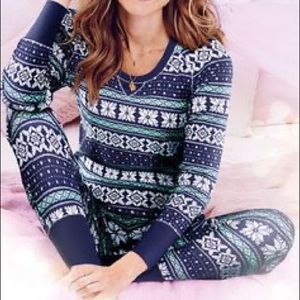 Victoria's Secret Thermal Pajama Set Snowflakes